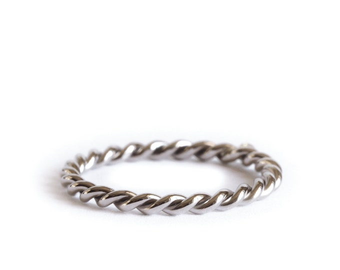 Featured listing image: 18ct gold band - twisted ring in grey gold