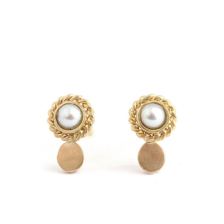 3d2182b4e57 Mini gold earring - Mini luna stud pearl earring - antic inspiration - 18  ...