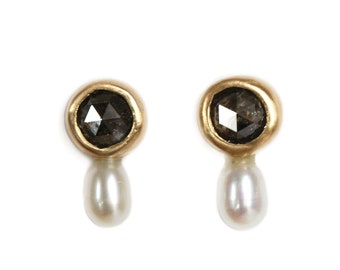 NEW ! Stud earrings Mini luna with salt and pepper diamond