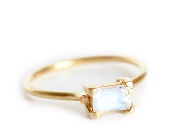 NEW ! Ring Marlow green beryl 18ct gold on round band