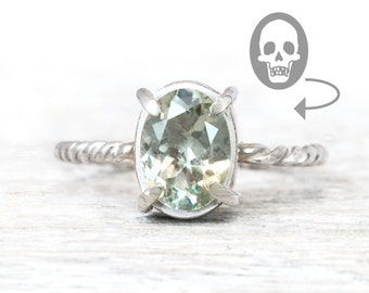 Skull ring - all sizes - mint quartz, silver 925 - historical jewelry