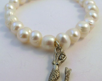 Freshwater Pearl Bracelet with a Pewter Mermaid Charm - 5004