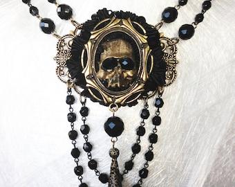 Contessa Mortisha  Tudor Gothic Necklace