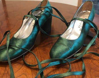 Shoe Biz at Bendel Green Satin Lace up shoes