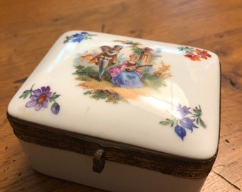 Jimenau Germany vonHenneberg Porcelain Box