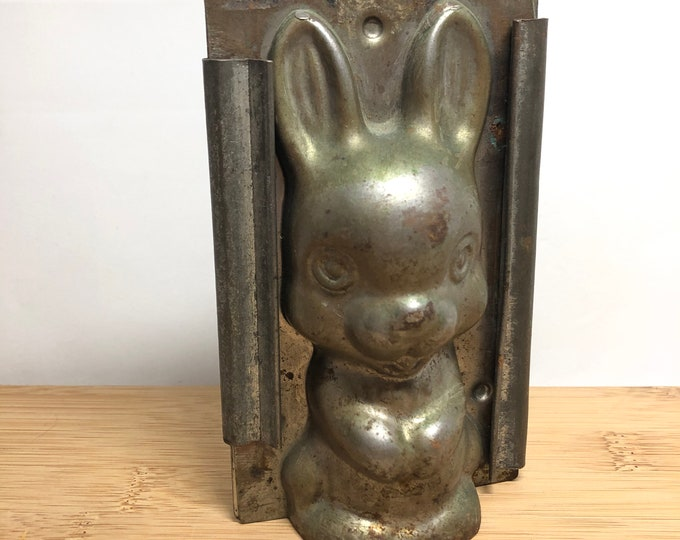 Featured listing image: Vintage Easter Bunny Chocolate Mold