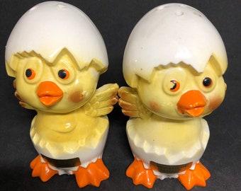 Vintage Pr. Of Hatching Chicks Salt and Pepper