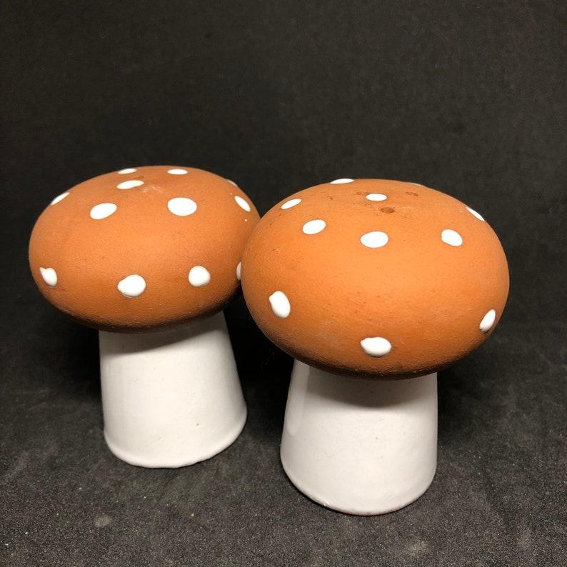 Mid Century Terra-cotta Mushroom Salt /& Pepper