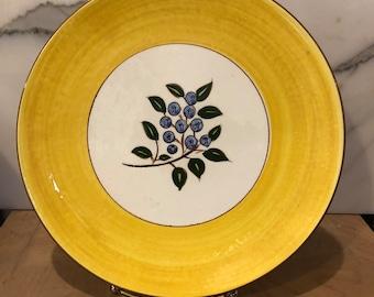 "10"" Stangl Blueberry Dinner plate"