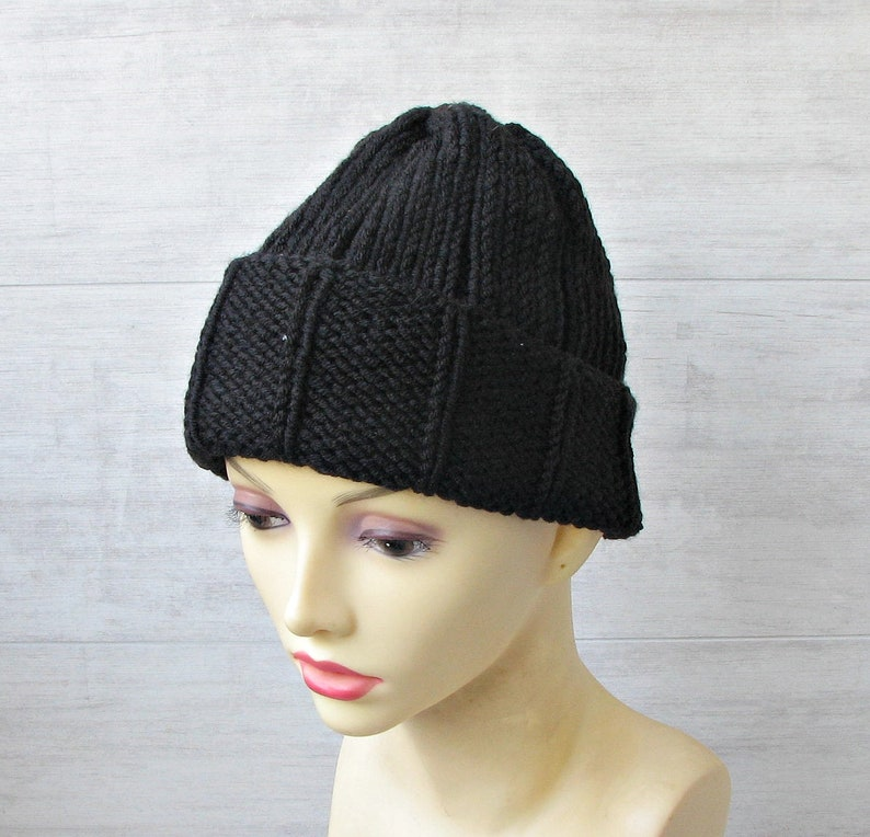 950135b59a9 Knitted beanies mens Black skull cap slouchy winter hat
