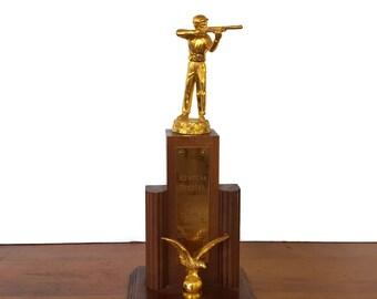 Vintage Shooting Trophy Gun Rifle Figural Wood Metal Mid Century Shotgun Hunting Marksman Trap Skeet Ozaukee WI 1954