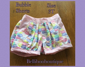 Bubble Shorts - Lips Size 3T
