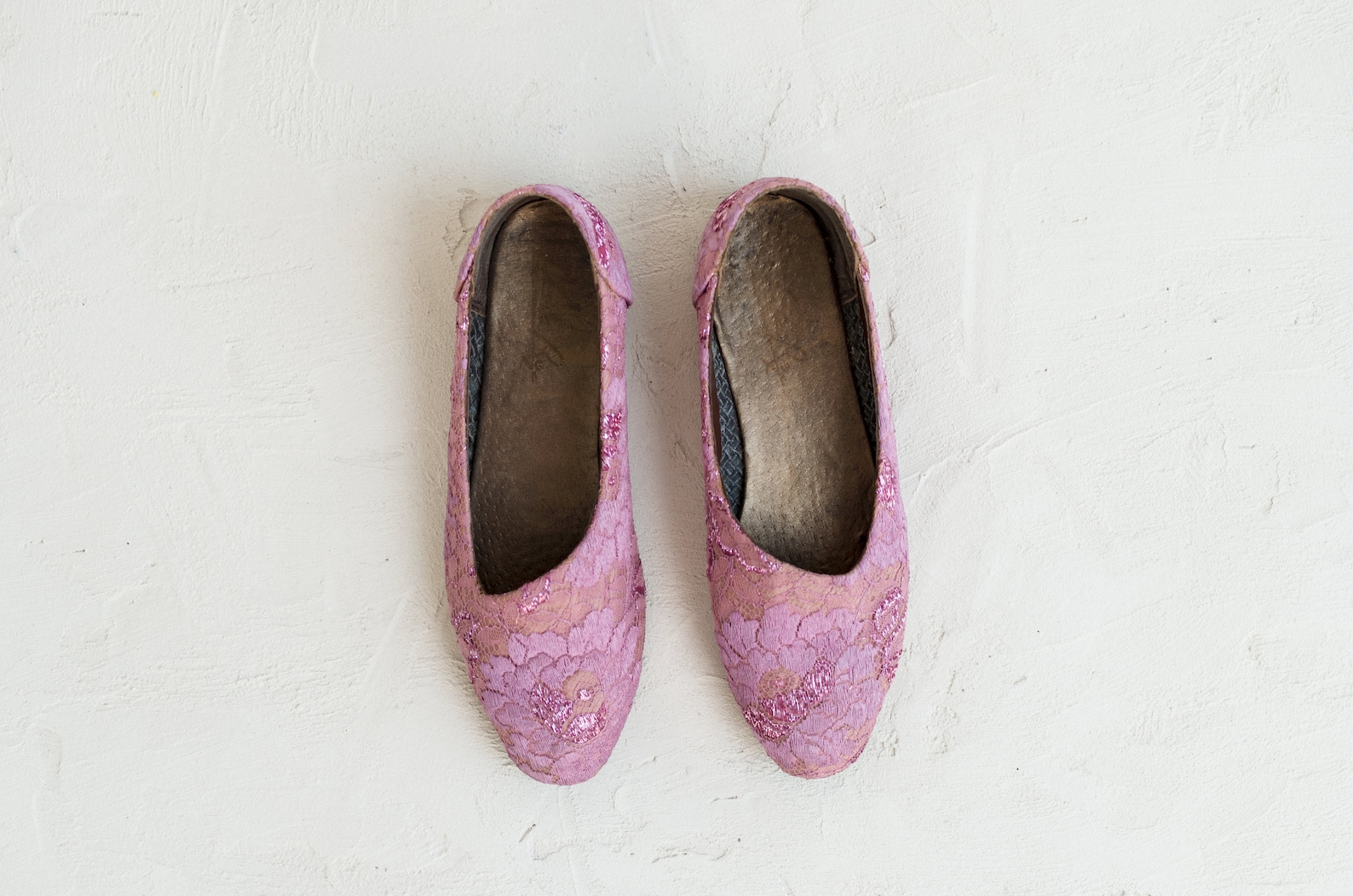 pink and purple lace shoes - vintage 1990s ballet flats - rachel slip ons 35% off