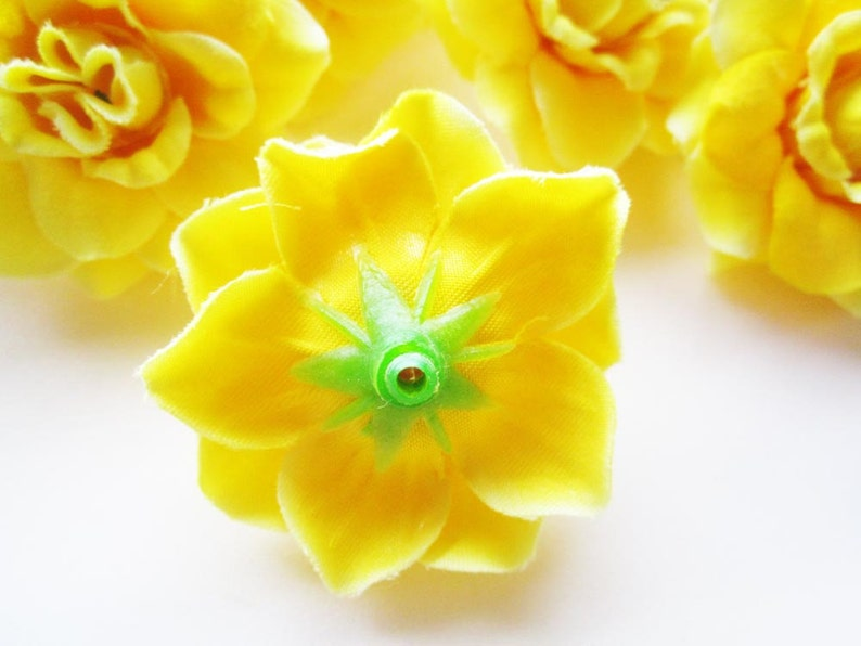 Make Hair clips 12 Yellow mini Roses Heads Artificial Silk Flower headbands Wholesale Lot hats 1.75 inches for Wedding Work