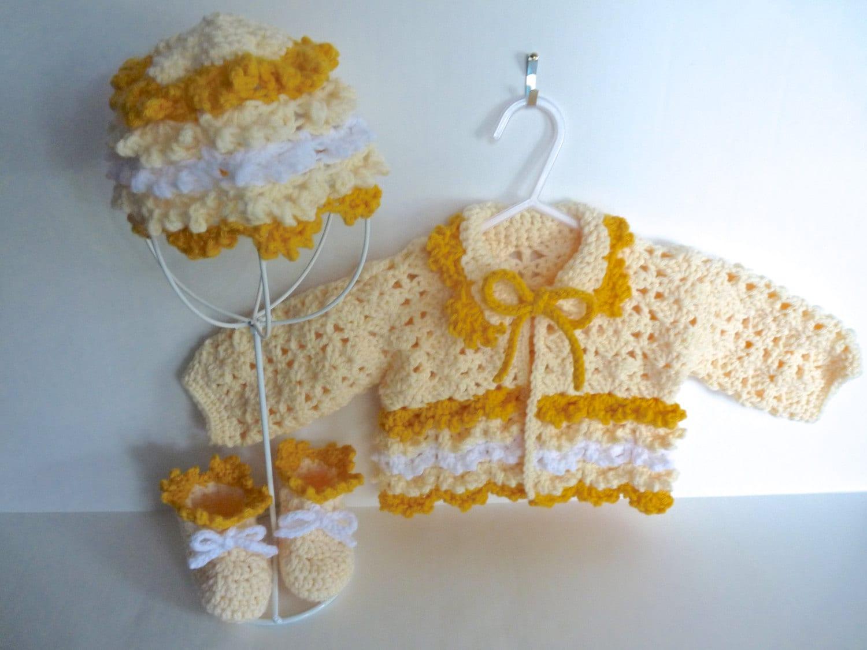 chapeau b b fille veste jaune et chaussons layette. Black Bedroom Furniture Sets. Home Design Ideas