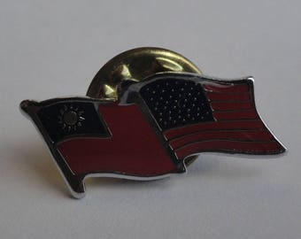 Vintage Taiwan USA Flags Pin