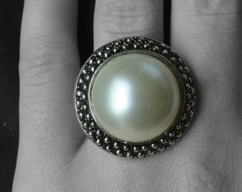 Vintage Silver Tone Faux Pearl Ring Size 7.5-8.5