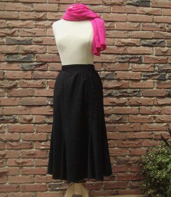 Black Wool Tulip Skirt