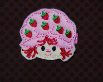 READY TO SHIP-Felt Embroidered Strawberry Shortcake on a 1 3/4 in Pink and white polka dot alligator clip