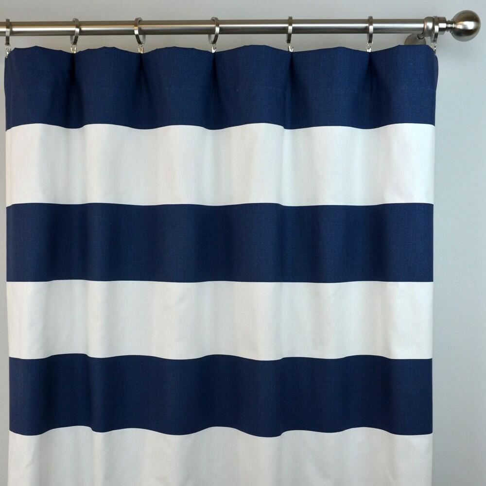 cabane blanc bleu marine bande horizontale rideaux poche de. Black Bedroom Furniture Sets. Home Design Ideas