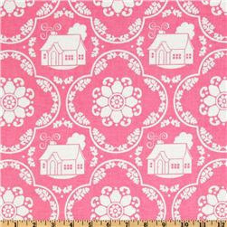 Daisy Cottage  Fabric By The Yard   H image 0