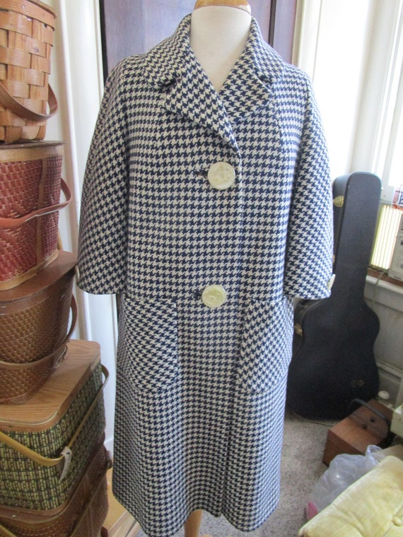 Vintage 1950s Ladies Houndstooth Check Coat