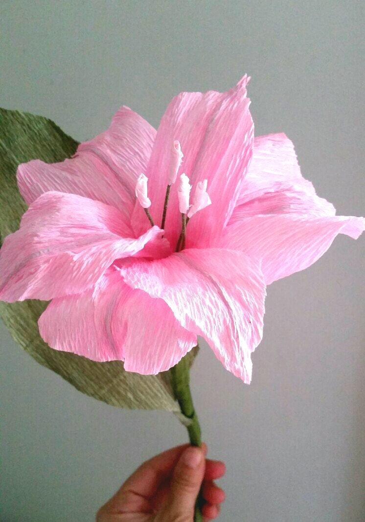 Lirio de papel. Flor de papel crepé. Ramo de novia Rosa. Flor