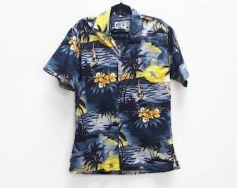 dcb2d9e31101 Hawaii Floral Shirt Vintage Hawaiian Print Short Sleeve Shirt Vintage Men's  Large Hawaii Floral Button up Shirt Vintage Hawaii Boat Pattern