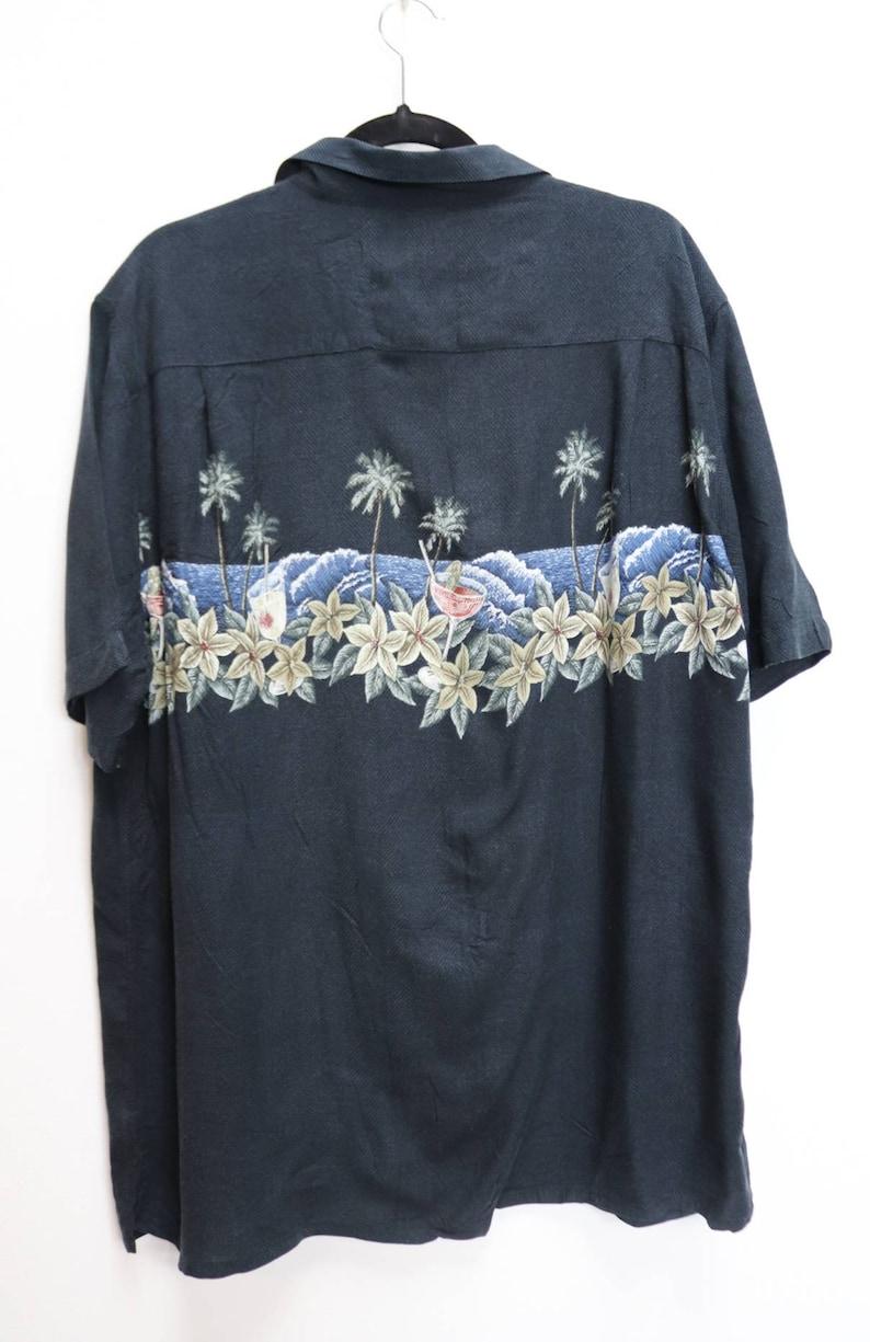 Black Hawaiian Shirt Vintage Hawaii Floral Shirt Black Short Sleeve Shirt XL Men/'s Shirt Vintage Hawaiian Button Down Cocktail Pattern Top