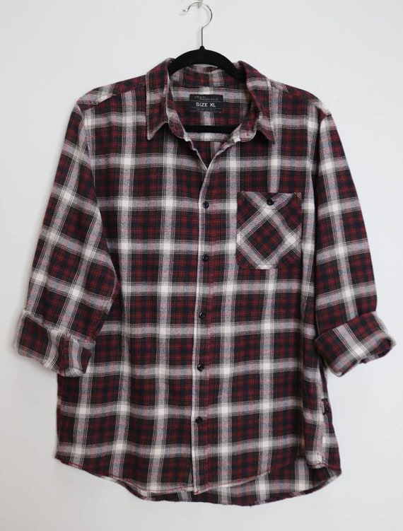Vintage Red  Blue  Purple Long Sleeve Button Up Flannel Shirt  XL  X-Large  Lumberjack  Plaid