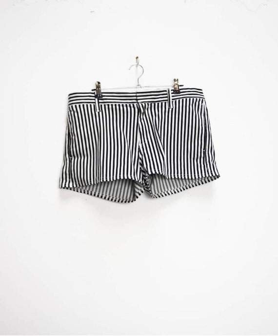 Grey Stripe Shorts Vintage Striped Shorts High Waisted Shorts Women/'s Gray Stripe Pattern Shorts Medium High Waist Shorts Vintage Striped M