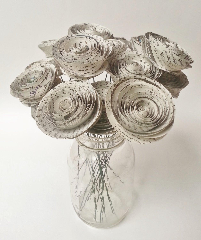 bouquet de fleurs papier journal bouquet de fleurs fait etsy. Black Bedroom Furniture Sets. Home Design Ideas
