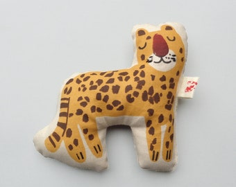 Cheetah Rattle Natural Toy, Silkscreen printed Eco Friendly baby and Toddler Toy, Safari Animal, Made in Denmark