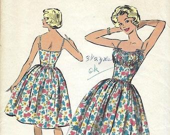 Advance 9077 Dress Sewing Pattern, Bombshell Marilyn Monroe Dress, 1959 Original Not PDF, Size 12 Bust 32