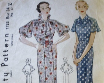 Vintage 1930s Pattern, Slim Fitting Dress Sewing Pattern, Unique Collar, Simplicity 1723 / Bust 34