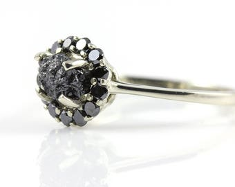 Halo Ring 1.0 Carat Rough Diamond - 14K Gold Ring with Cut Diamonds - Black Polished Diamonds - Engagement Ring - Round Halo Design Ring