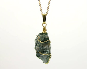 Rough Agate Necklace - 14K Gold Filled Necklace with Irregular Shape Moss Agate - Green Agate Gemstone - Abstract Stone - Birthstone Gift
