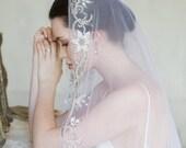 10 % off BY THE SEINE | Embroidered silk mantilla veil