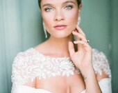 10 % off PETIT COEUR | Silk pearl floral wedding cape