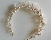 LOULOU   Silk flowers & baroque pearl double crown