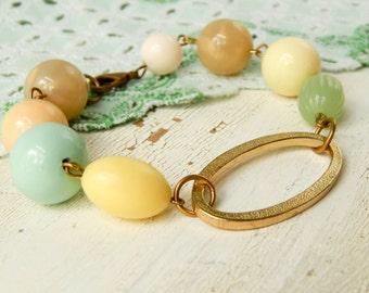 Vintage bead bracelet / shabby chic / upcycled bracelet / repurposed bracelet / upcycled vintage / chunky bead bracelet / repurposed jewelry