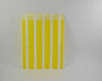 8 yellow striped pattern paper bags