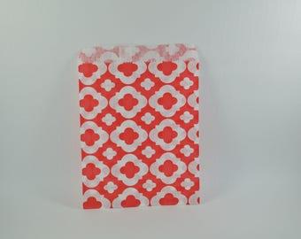 8 sachets en papier à motif arabesque rouge