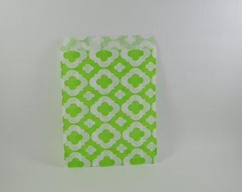 8 sachets en papier à motif arabesque vert