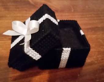 Black and White Engagement Ring Box / Ring Bearers Box