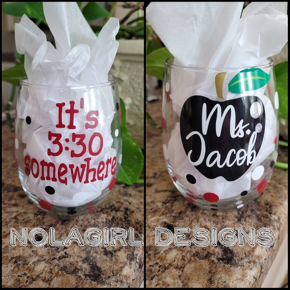 Teacher gift, personalized Wine Glass, Lesson Plan Juice, Teachers Aid Wine Glass, Teacher Appreciation, End of school gift, custom apple