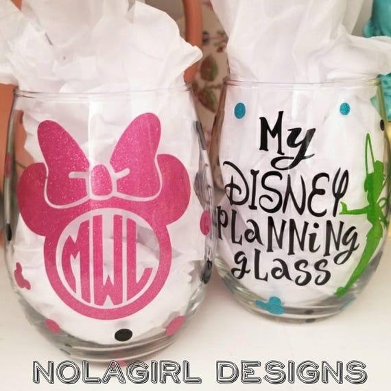 Disney Vacation Planning glass, glitter vinyl, Wine Glass, vacation Gift for her, Personalized ears, Magic Mail, Mouse Inspired gifts, FUN