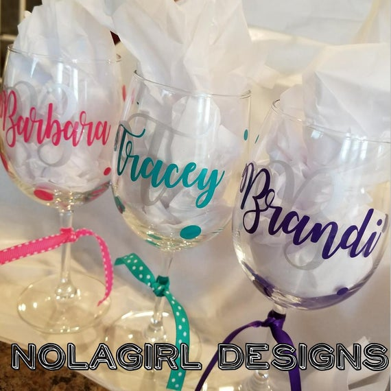 Personalized Initial Wine Glass, Friend gifts, Name, Letter initial with name, Bridesmaid gift, Friend Gifts, Bridal Party Favors, custom