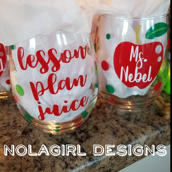 Teacher gift, personalized Wine Glass, Lesson Plan Juice, Teachers Aid Wine Glass, Teacher Appreciation, End of school gift, custom apple