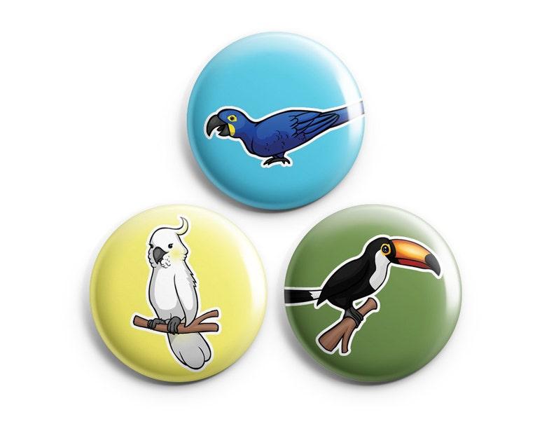 Parrot Nice design Cockatoo pin badge